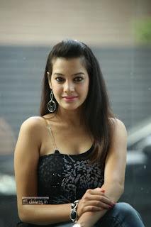 Diksha-Panth-Stills-at-Black-is-Black-Event