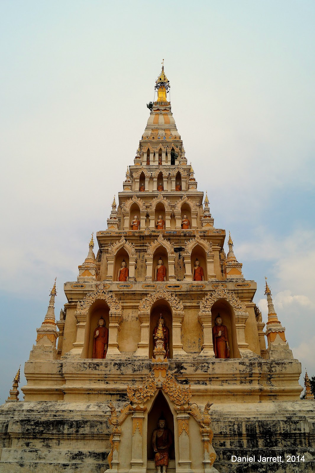Wat Chedi Liam Chiang Mai