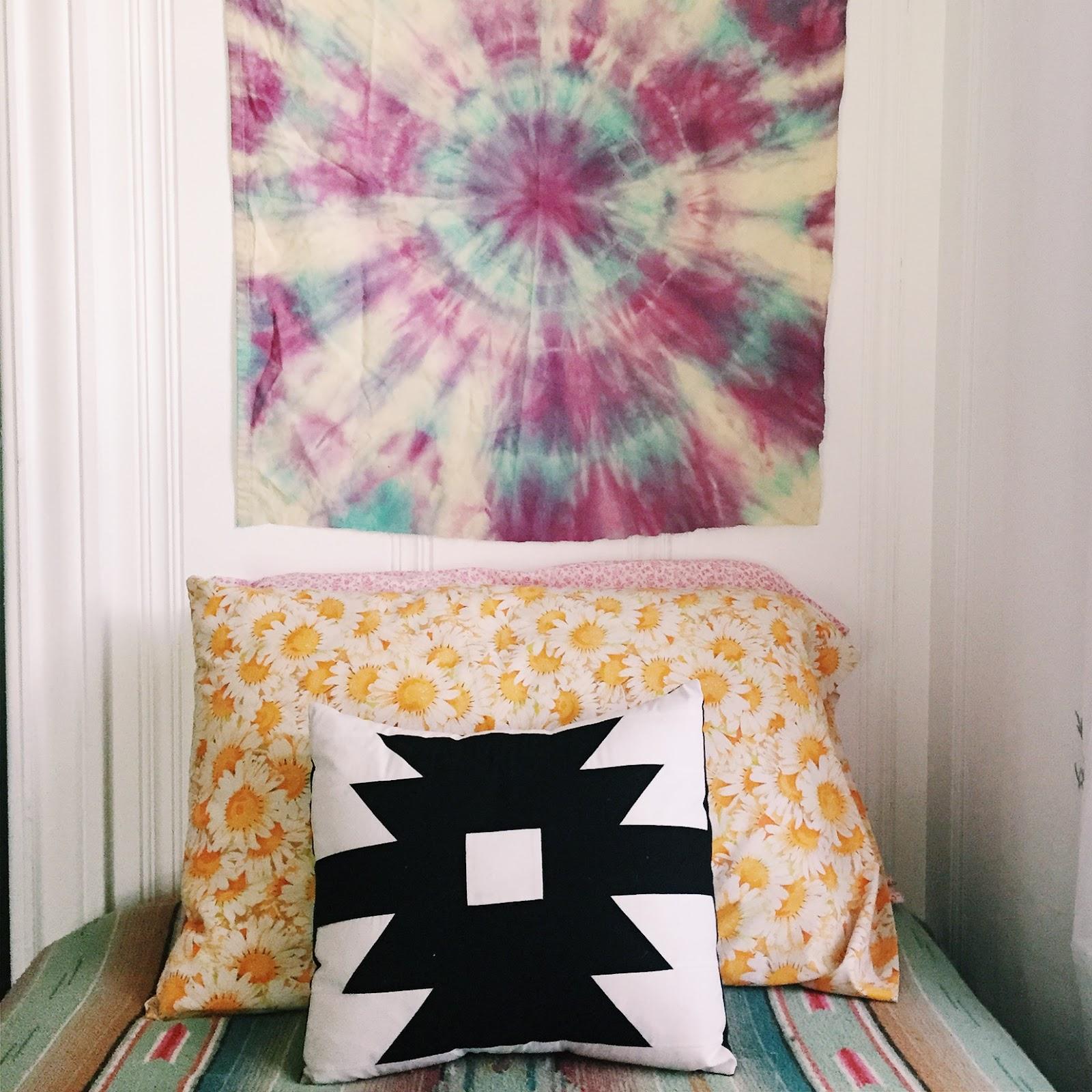Diy Circular Tie Dye Mini Tapestry Heywandererblog Bloglovin
