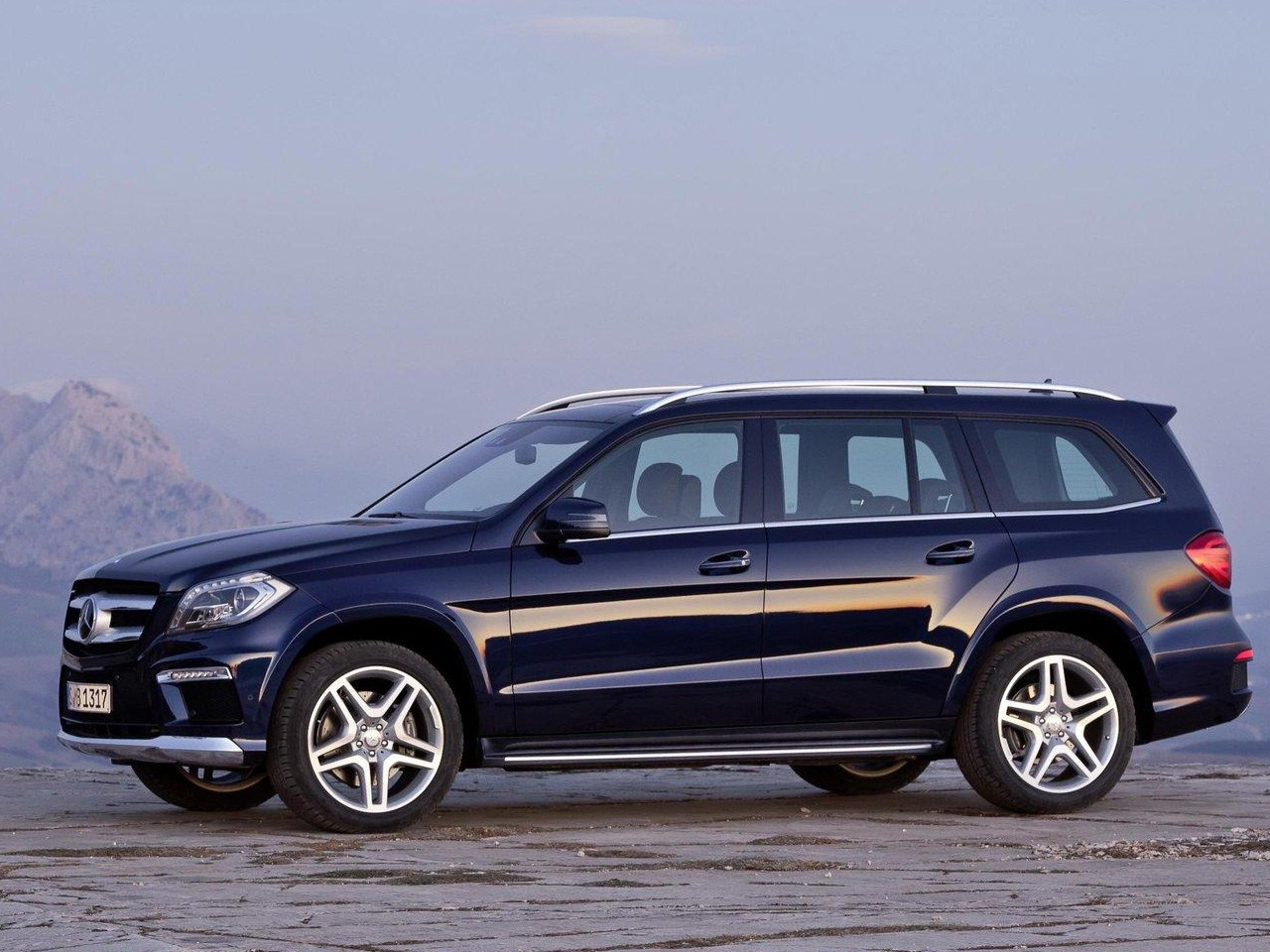 ... Big Size Images, HD Wallpaper For YOu Download Mercedes Benz ML Class  Photos Online Car Wallpaper No. 4044 For Free PC, Tablet, IPhone, IPad Etc  Device