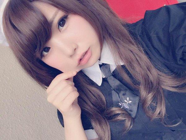 Inilah 10 Pose Selfie Paling Populer di Kalangan Gadis Remaja Jepang
