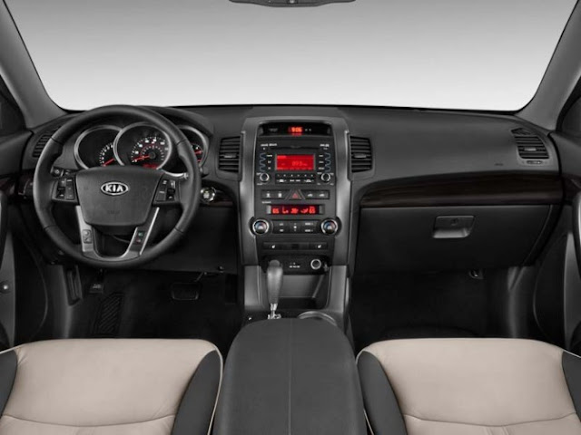 Interior shot of 2011 Kia Sorento