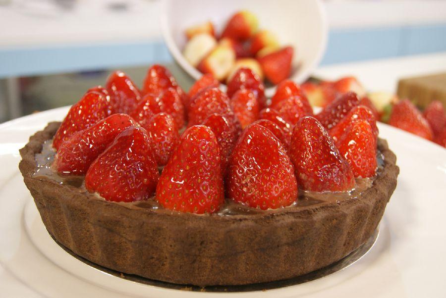 Receita de Torta de Brigadeiro com Morango