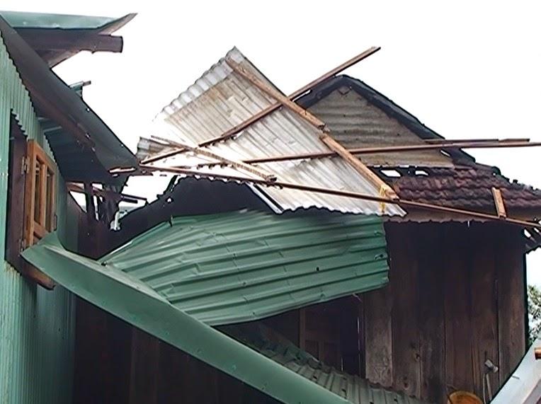 Gia Lai: Thị trấn Ia Ly (Huyện Chư Păh) khắc phục hậu quả sau lốc xoáy