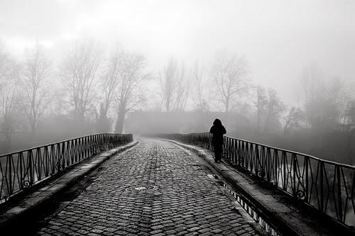 hình nền cô đơn lẻ loi