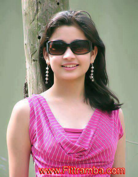 Nagma Pakistani Desi Dating Girl Online Mobile Number For Chate