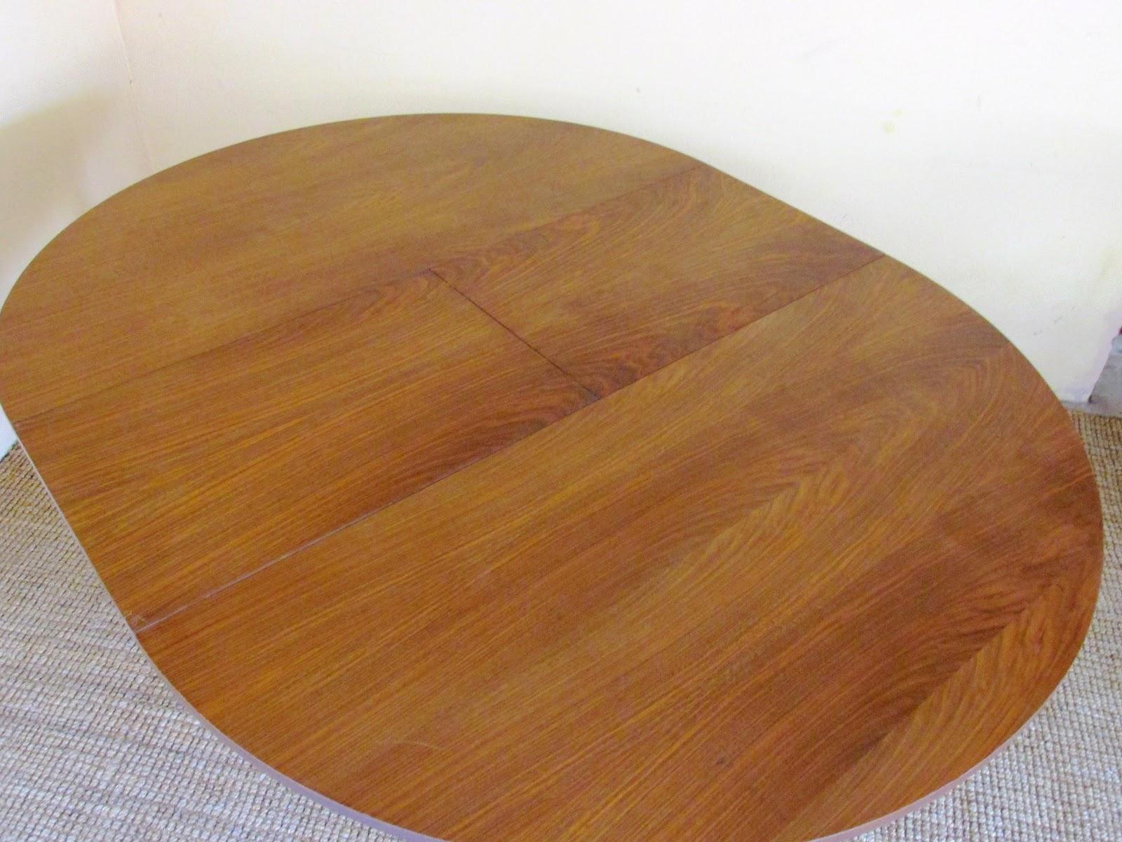 Colecci n siglo xx antig edades y dise o mesa redonda for Mesa redonda diseno madera