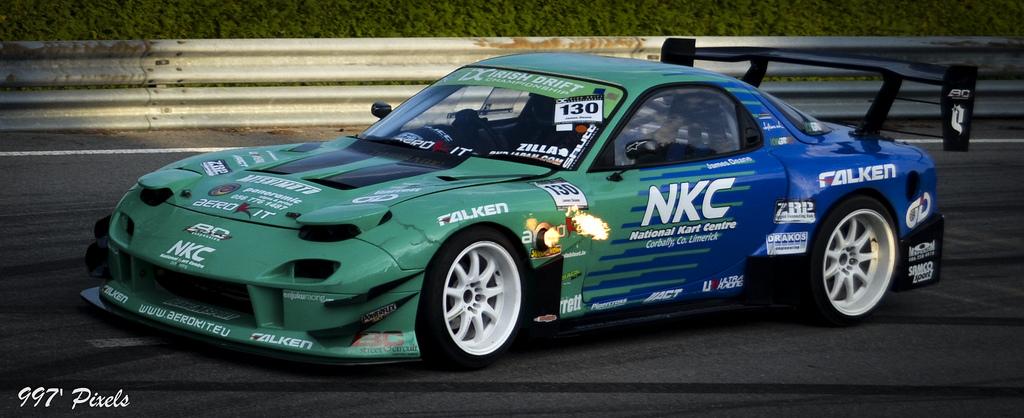 Mazda RX-7 FD, sportowy, wyścigi, kultowa motoryzacja, samochody z duszą, zdjęcia, fotki, tuning, JDM