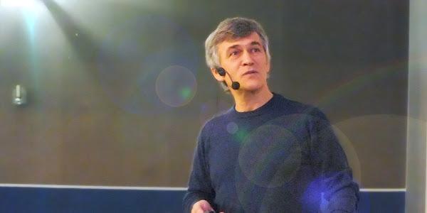 «Трибуна Учёного» в Большом Планетарии Москвы - В.Г.Сурдин: «Верхом на комете»