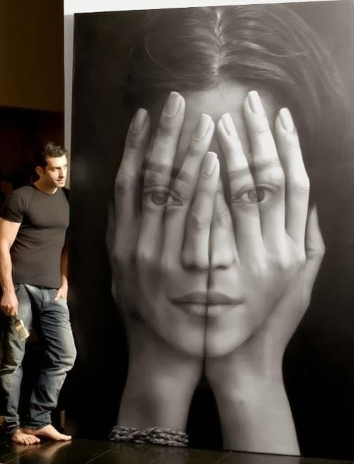 03-Tigran-Tsitoghdzyan-Armenia-Painted-Hands-Face-Hyper-Realistic-www-designstack-co