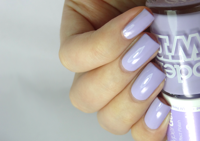 Models Own hypergel lilac sheen
