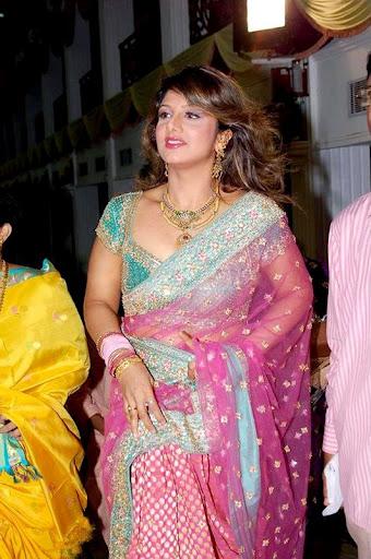 Rambha+nude+saree+sexy+stills