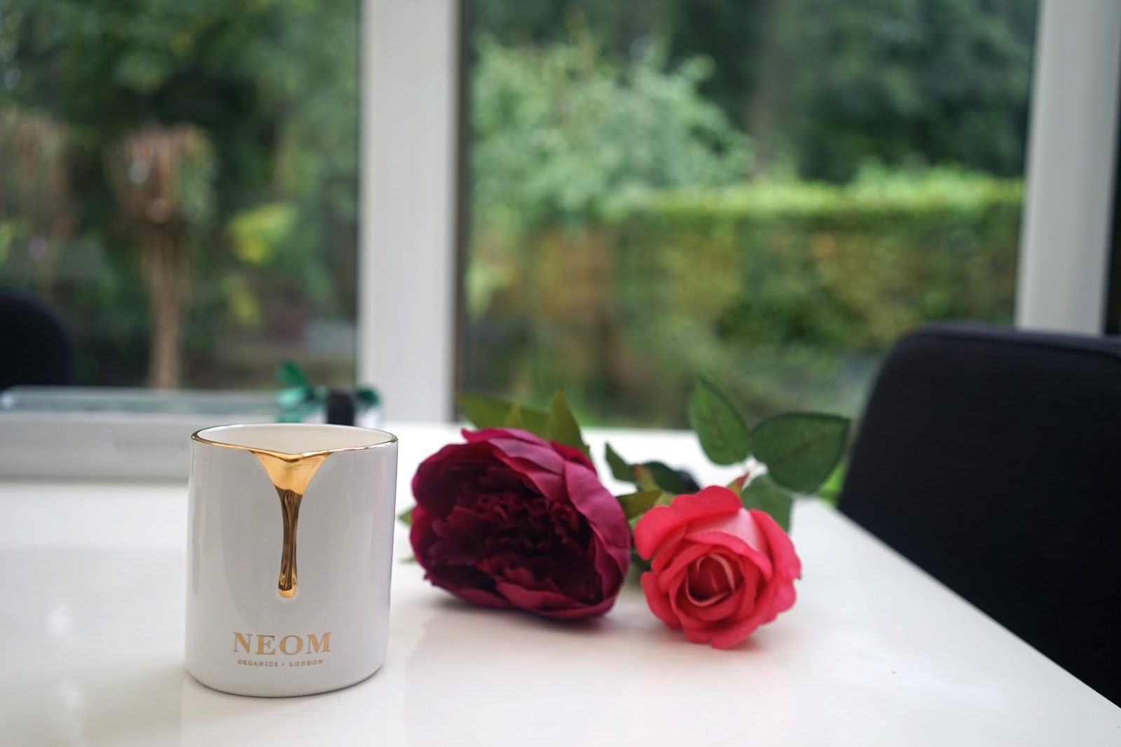 Neom intense treatment candle