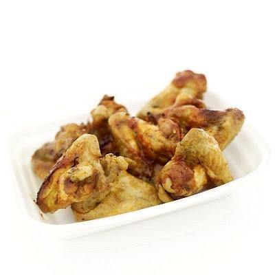 Alas de pollo marinadas y fritas