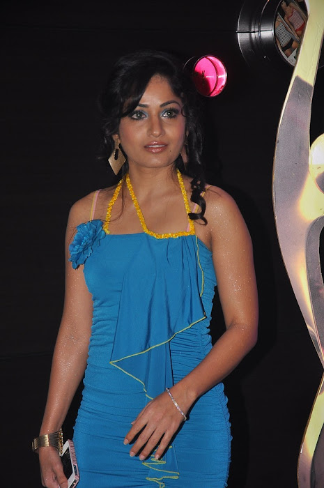madhavi latha sizzling at siima awards party unseen pics