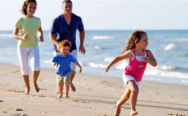 6 cara memilih tempat liburan bahagia bersama keluarga