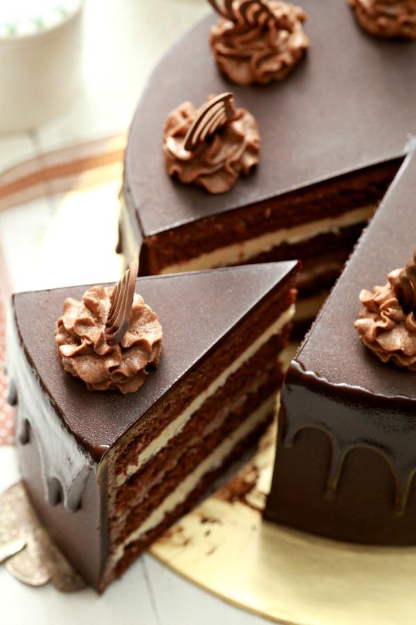 Masam manis kek choc indulgance bersama tips dan panduan