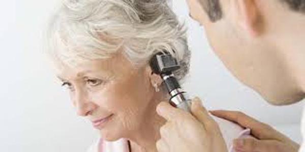 Pérdida-auditiva-relacionada-paso-de-los-años