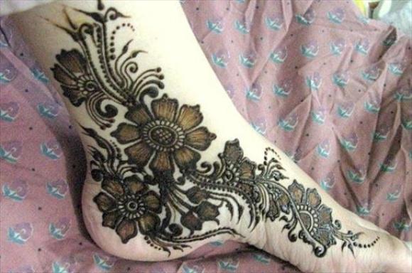 beautiful bridal feet