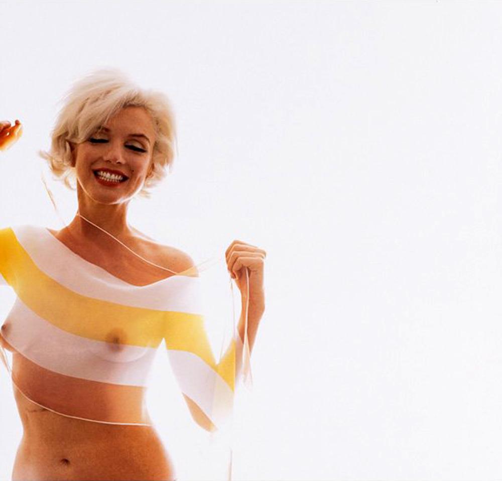 http://2.bp.blogspot.com/-bHxYxXlKR6A/Ti2rQtscT8I/AAAAAAAACCY/UJwDBaQzuUA/s1600/Marilyn%2Bstripes%2B06.jpg