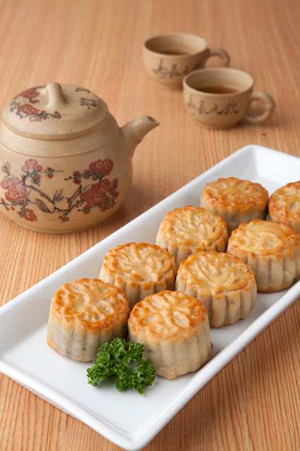 Satisfy Your Mooncake Cravings This Coming Mid-Autumn Festival with MXT Mooncakes