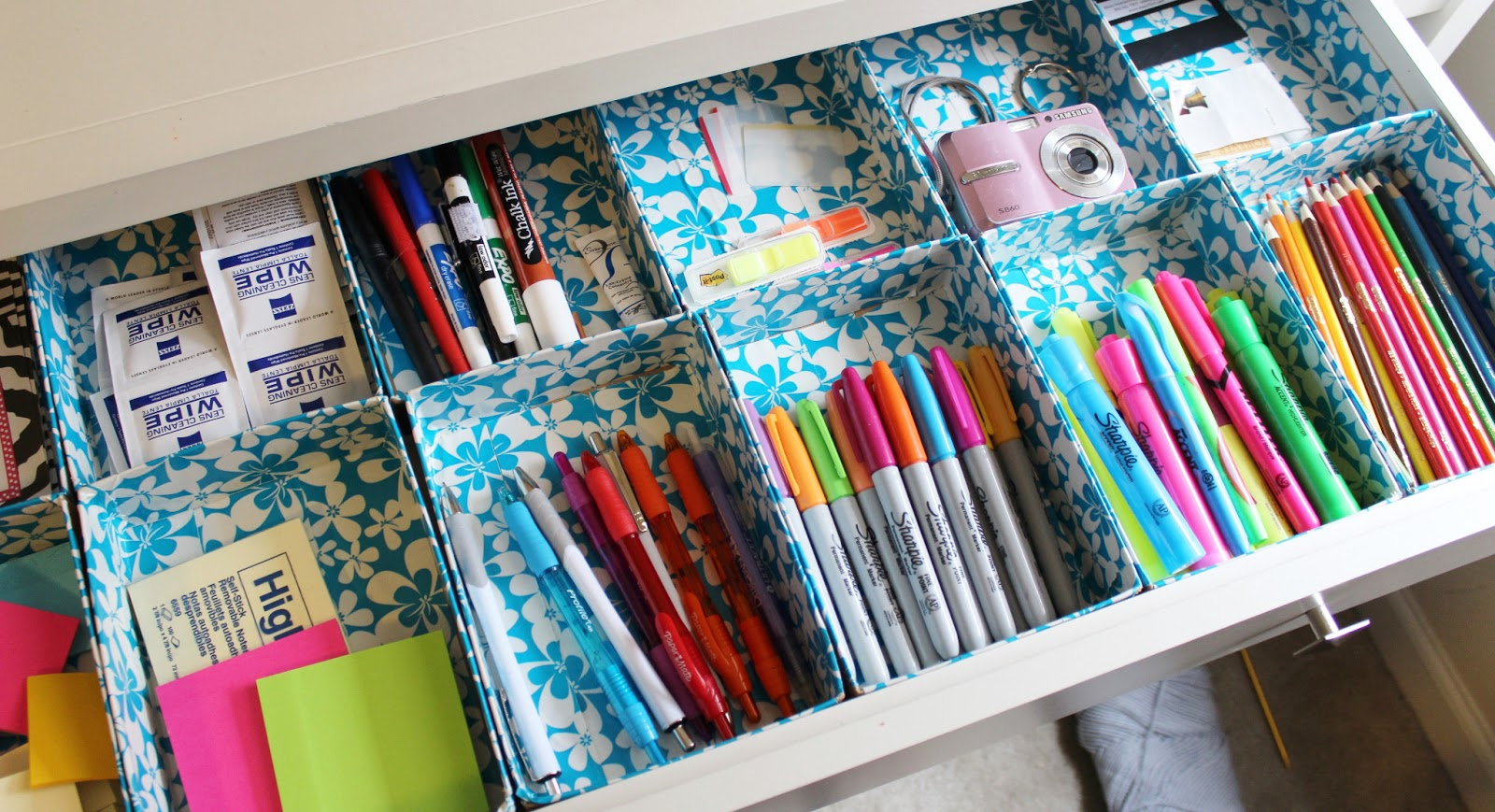DIY DUCT TAPE ORGANIZERS
