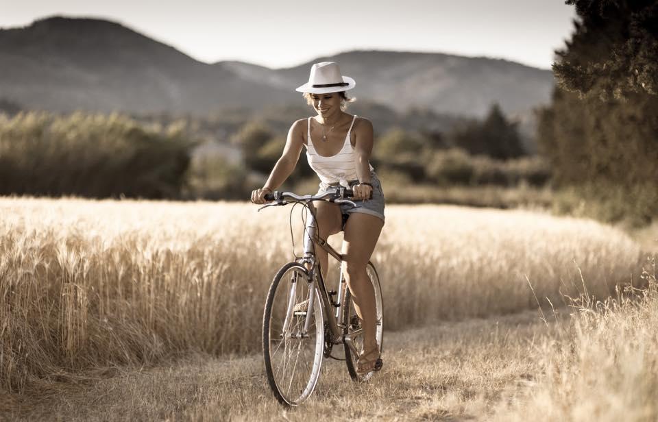 Βόλτα με το ποδήλατο στη φύση