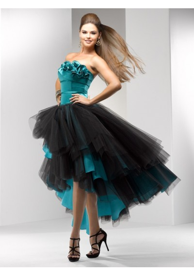 CUTE HAIRCUTS FOR MEDIUM HAIRS: BEAUTIFUL PROM DRESSES: IDEAS AND STYLES