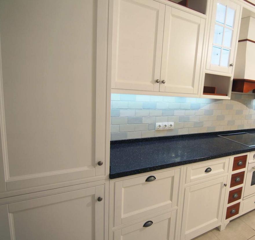 Шкаф для холодильника