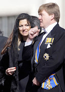 . del papa FRANCISCO junto a su esposo, el príncipe y futuro rey de . imã¡genes maxima zorreguieta mantilla negran papa francisco foto