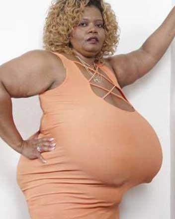 es la mujer con las tetas mas grandes del mundo: