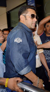 Salman Khan spotted at airport to leaves for Dubai