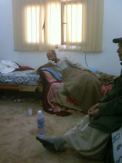 صور لم تنشر لسيف الأسلام القذافي في أيدي الثوار!