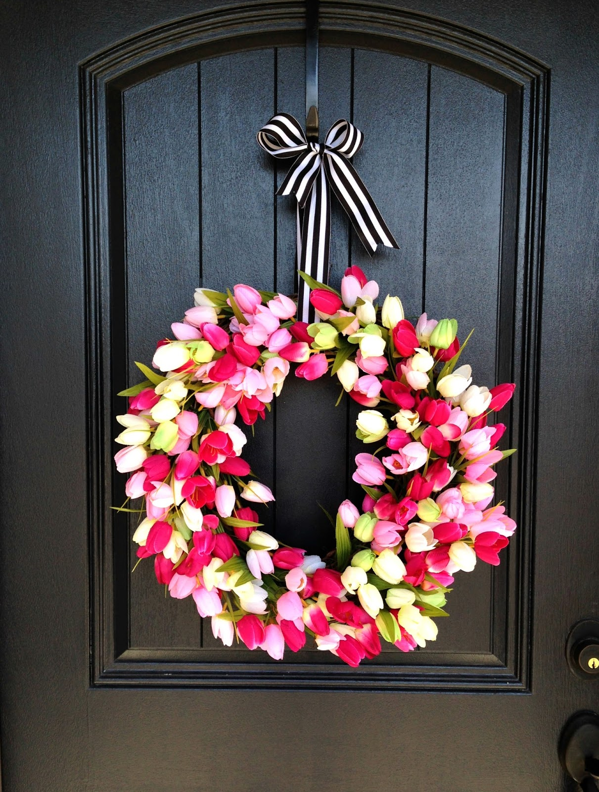 Life love larson diy spring tulip wreath i just love the way the pink pops off the glossy black door it screams spring and i figure this wreath can last me on the front door throughout the month rubansaba