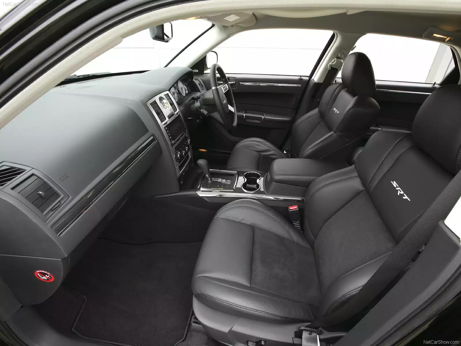 Hình ảnh xe ô tô Chrysler 300C Touring SRT UK Version 2008 & nội ngoại thất
