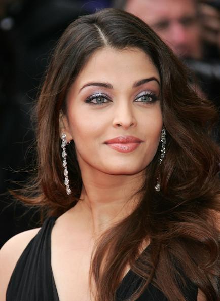 Style In Fashion Aishwarya Rai Haircut Hairstyles