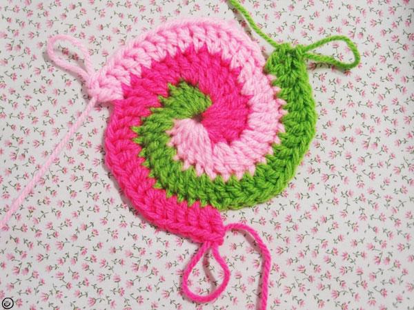 Spiral Crochet Flower Pattern Free : CAL JUNE Minimalize Ideas : Crochet 3 Colors Spiral ...