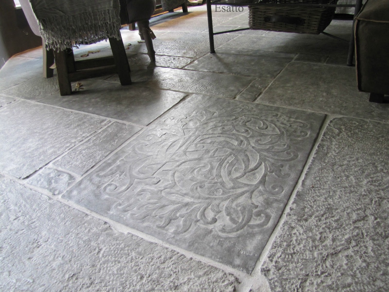 Eetkamer Stone : Esatto by Ravensbergen: Castle Stones..