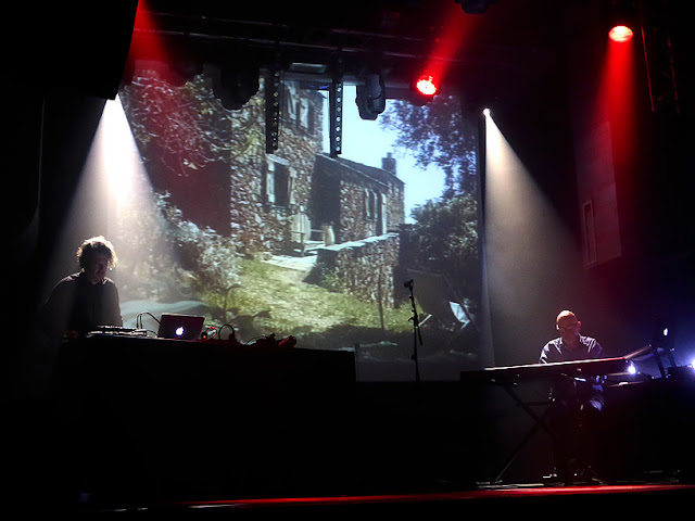 Leon Muraglia & Hans-Joachim Roedelius live @ Petit Bain, Paris / photo S. Mazars
