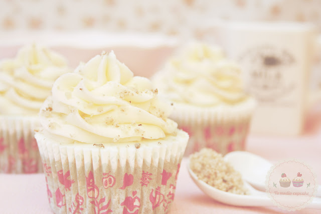 cupcakes-cream-cheese-frosting