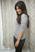Shruti Haasan Gorgeous Photos at Yevadu Success Meet-thumbnail-14