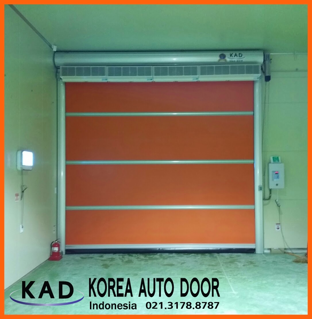 A photo of pintu high speed door with a manual chain