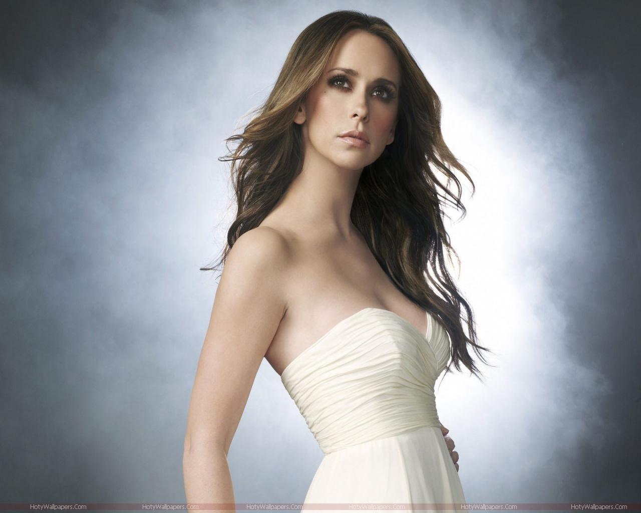 http://2.bp.blogspot.com/-bJwEMQb9zz4/TmjW-pKxZpI/AAAAAAAAKs0/8e7jBukStWw/s1600/Jennifer_Love_Hewitt_HD_Wallpaper.jpg
