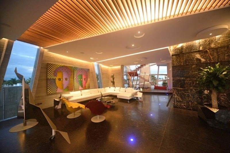 wall art Casa Moderna e Futurista Com Muita Luz e Cor