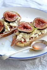 Fig and prosciutto bruschetta -