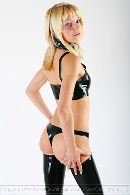Shinygirl Justine in Hot Black Latex