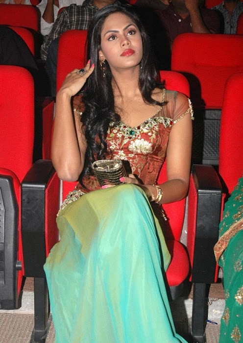 karthika latest photos
