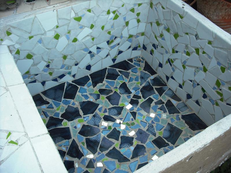 Joan seriny fregadero en trencad s mosaicos - Fregaderos de exterior ...