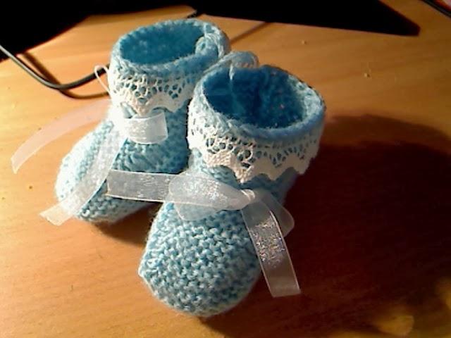 botinhas azul com renda