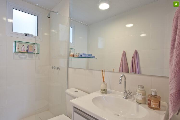 decoracao banheiro de apartamento pequeno : decoracao banheiro de apartamento pequeno:Banheiro branquinho da maneira que normalmente as construtoras